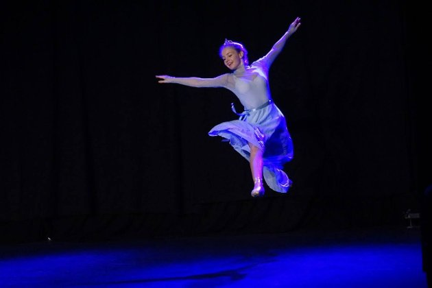 Andrea Gulstad som Elsa.