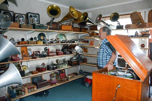 I juli 2018 besøkte vi  Ole Martin Knarvik på Halsnøy som har ei flott grammofonsamling.