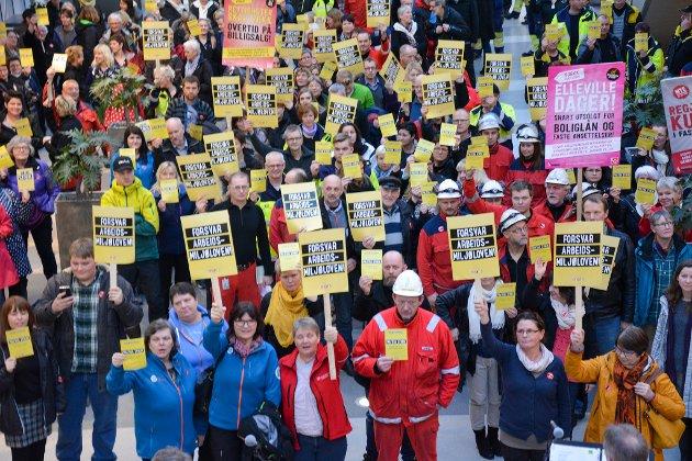 I 2015 var det politisk streik mot endringar i Arbeidsmiljølova. Streiken mønstra breitt og samla mange medlemer i ulike fagforbund i Kvinnherad til protest i Husnes Storsenter.