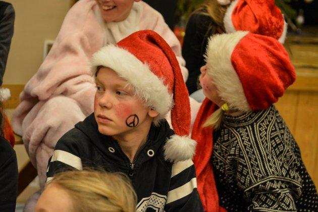 Juleforestilling på Flesberg skole. 6. klasse. Foto: Mona Sandviken