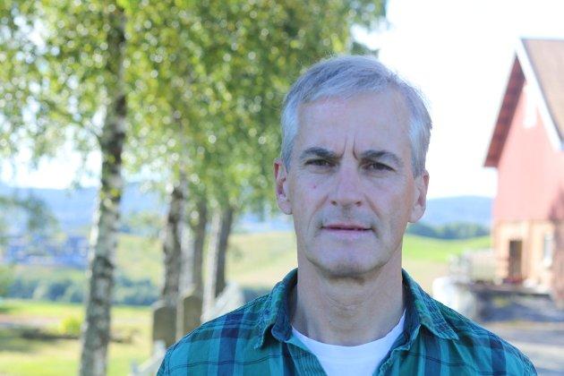 For Arbeiderpartiet er det avgjørende at hele folket i hele landet kan leve gode, trygge liv, mener Jonas Gahr Støre.