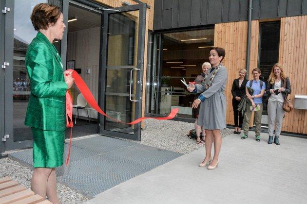 Ordfører Gunn Cecilie Ringdal åpnet sykehjemmet mandag.
