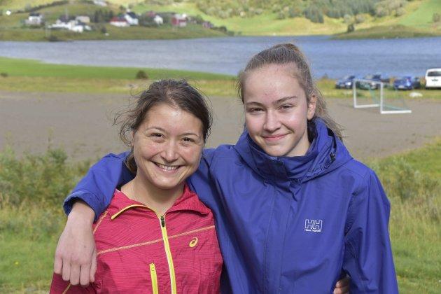 TETDUO: Ingrid Kvernland (til venstre) og Mariann Sørensen løp inn til de to beste tidene på jentesiden.