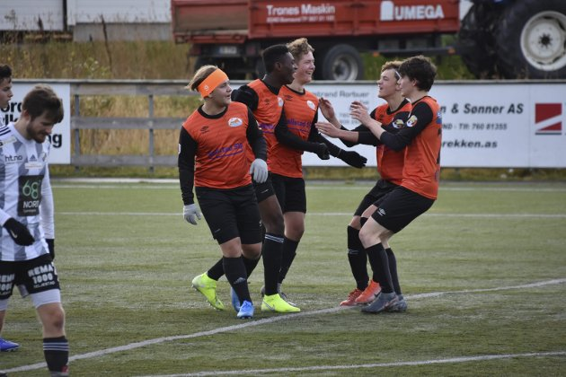 JUBEL: Danjo og Ballstad jubler etter at 3-0 er et faktum.