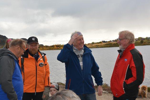 Mange blide fjes på åpningen, som på Karl Johan Nilsen, Børge Iversen, Bernhard Pettersen og Bjørnar Iversen.