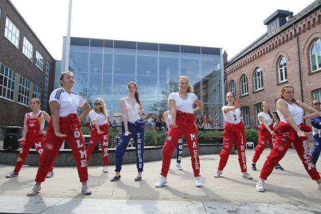 Den årlige Mai-konserten til elevene ved Musikk, dans og drama ved Kirkeparken V.G.S.