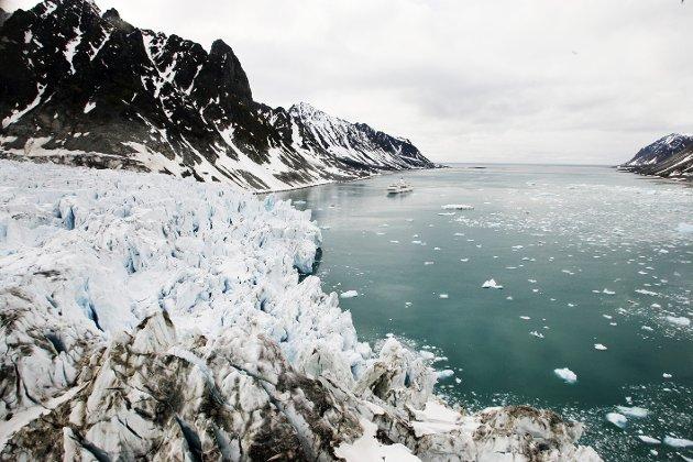 Klimaendringer: Havet stiger og forskerne advarer. Det lages også en oversikt over hvor mye havet vil stige i årene som kommer. Det gjelder også for vår egen region.