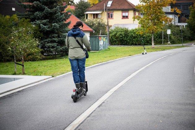 TIL MOSS?: Elsparkesykler har fått mye kritikk i andre byer. Flere kommuner har laget retningslinjer for utleie av elsparkesykler. Nå har en aktør spurt Moss kommune om lov til å leie ut elsparkesykler i Moss.