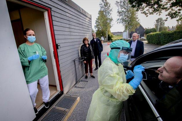 Strategi: Dagens kronikkforfatter viser til den pågående pandemien som plager oss og bruken av oljepenger i krisetider. På bildet testes vålerordfører Reidar Kaabbel.