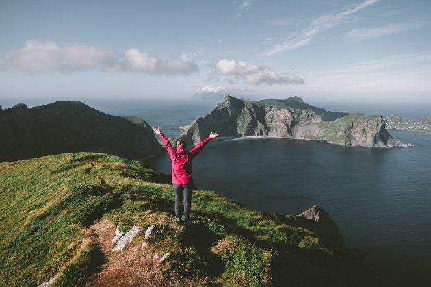 MÅ VERNES OM: En ny strategi for reiselivet må sørge for at vi bevarer den norske naturen v er så stolte av, mener kronikkforfatterne.