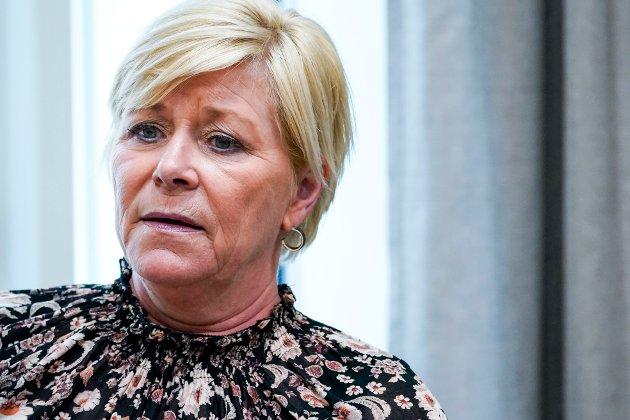 – I tur og orden har kjente politikere lagt seg langflate, mens de har lovet bot og bedring. Sist ut er Siv Jensen, skriver Anne Grenersen.