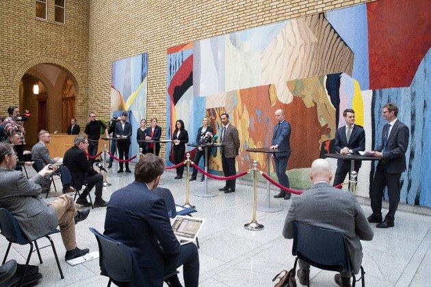 VINNERE: Bjørnar Moxnes (Rødt), Kari Elisabeth Kaski (SV). Hadja Tajik (Ap), Sylvi Listhaug (Frp), Hulda Holtvedt (MDG), Mudassar Kapu (H), Trygve Slagsvold Vedum (Sp) og Tore Storehaug (KrF) og Terje Breivik (V) ville tapt 25.000 kroner i måneden på å bli permittert fra privat sektor. Men stortingspolitikerne får fullt betalt.