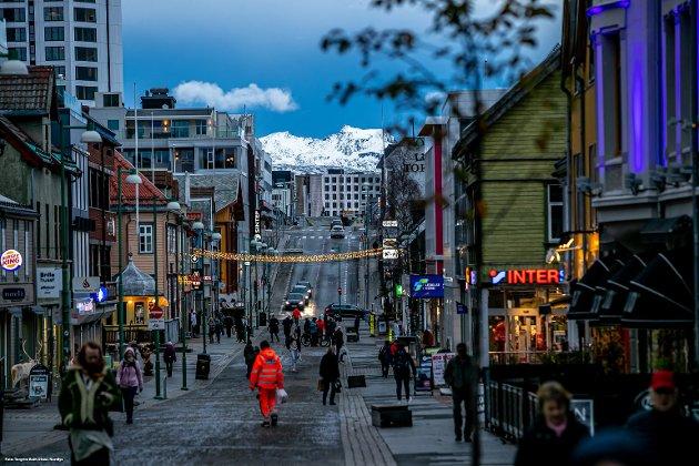 """Kan Tromsø leve utan den veksten byen har blitt vant til, gjennom ein samanhengande vekstperiode på 50 år? Svaret er sjølsagt """"ja"""", men omstillinga kan bli smertefull, skriver Nils Aarsæther."""
