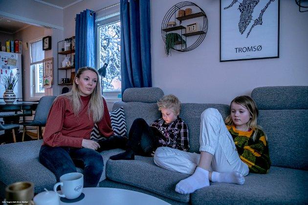 God utdanning og fast jobb til tross: sykepleier Gry-Anett Elvestad Nørgård når ikke opp på boligmarkedet i Tromsø. Statistikken viser at en gjennomsnittlig sykepleierlønn kun rekker til ca. 18 prosent av de boligene som er til salgs i byen.