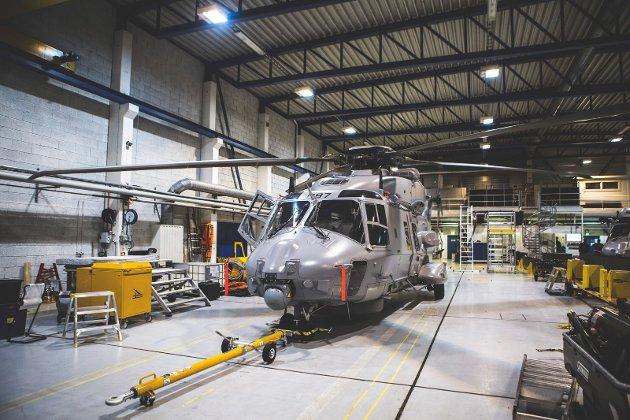FAKTA: Selv om innføringen av NH-90 er forsinket vil åtte NH-90 kystvakthelikoptre være stasjonert på Bardufoss. Disse kommer i tillegg til Bell-helikoptrene på samme base. Fra 2024 skal det etableres en egen helikopterskvadron på Bardufoss, og Bell-helikoptrene skal byttes ut med flere og moderne helikoptre til støtte for Hæren i nord, skriver Hårek Elvenes.