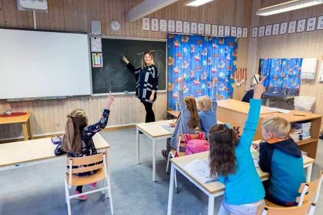 Inndeling etter hvilket nivå eleven er på vil kun skape større press, mer stigmatisering av den enkelte og i ytterste konsekvens føre til skolevegring for flere. Vi kan ikke lage en skole som gjør ungene våre syke og stressa! skriver Kristine Merethe Larsen.