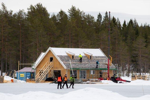 Vi vet at mange ønsker å flytte ut av storbyene, til mer landlige områder med mer plass, ren natur og frisk luft, skriver Senterpartiets Heidi Greni og Kari Anne Bøkestad Andreassen.