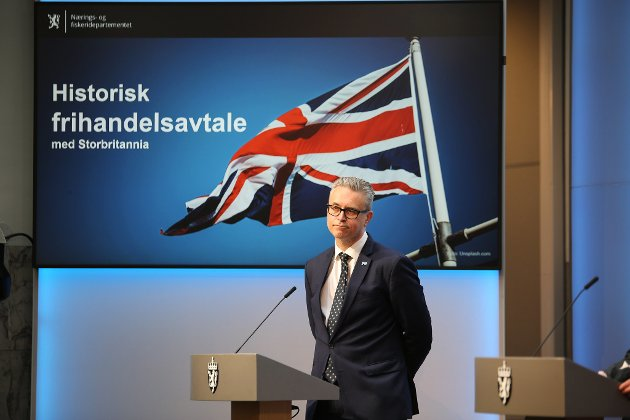 Fiskeri- og sjømatminister Odd Emil Ingebrigtsen på pressekonferansen om frihandelsavtalen med Storbritannia, 4. juni 2021.
