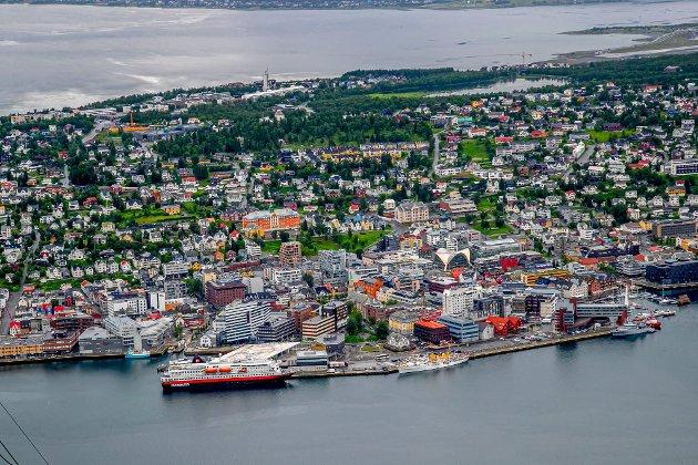 Tromsø har svært høye boligpriser. Det hindrer byens vekst og utvikling. Vi ønsker at folk skal få et større utvalg av boliger, til overkommelige priser, skriver de to Venstre-politikerne.