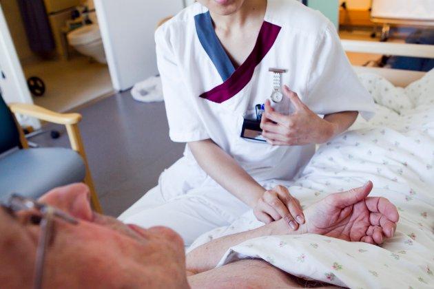 En likelønnspott for å gi sykepleierne lik lønn som for andre med lik utdanningslengde er nødvendig, noe Rikslønnsnemda har vært enig i under meklingen mellom Unio og Spekter, skriver Daniel Brox