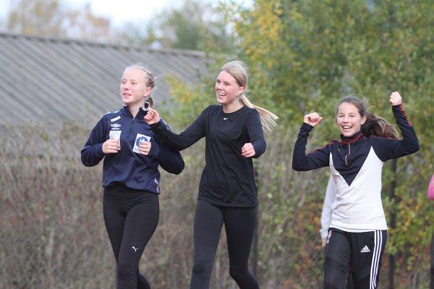 Fra venstre Fride Bakke Rånes, Maja Kristoffersen og Sienna Hernandez