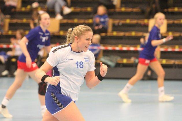 Amalie Mogstad jubler innbitt tidligere i kampen