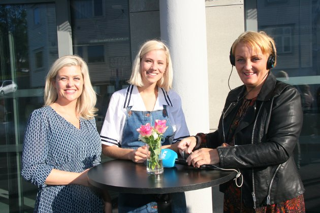 DIREKTE PÅ NRK: Sif Vik, Dagny og NRK-journalist Tove Jensen like før de skal direkte på NRK.