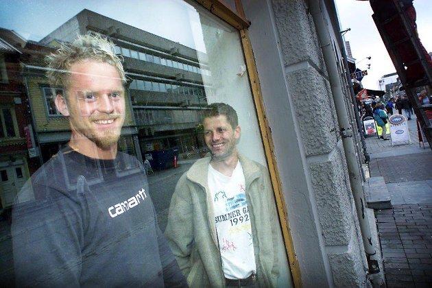 ÅPNET UTESTED: Høsten 1999 åpnet Morten Isachsen og John Johnsen dørene til utestedet Solid i Storgata.