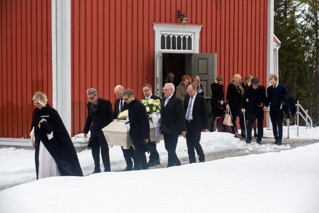 TIL GRAVEN: Etter bisettelsen ble gravfølget invitert til minnestund på Dags arbeidsplass gjennom mange år: Radisson Blu Hotel.