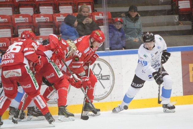 Stjernen er allerede klare for spill i Get-ligaen kommende sesong. Torsdag kan Arttu Niskakangas og Narvik slå følge med laget fra Fredrikstad i Norges gjeveste hockey-selskap.