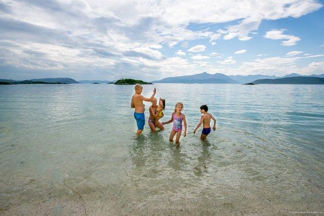 SOMMARØY/HILLESØY: Philip Marti (11), Elise Marti (12), Ella Erikstad (2) Sofie Marti (4) og Sivert Erikstad (5).