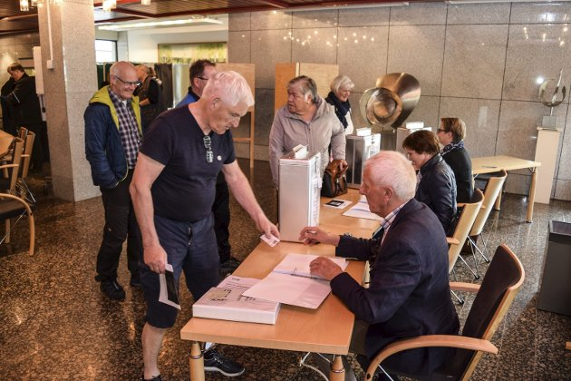 Arkivfoto fra stemmelokale i Gjøvik