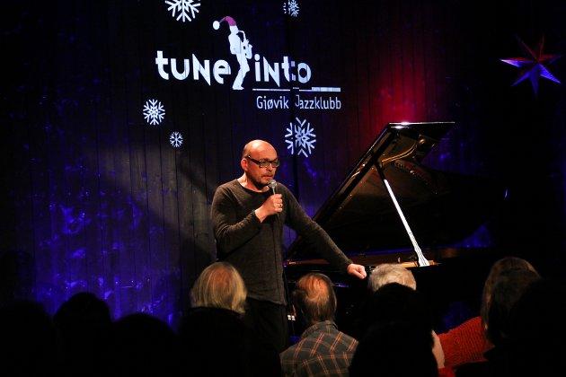SNØ PÅ PIANOET: Bugge Wesseltoft samlet fullt hus da han besøkte jazzklubben i Gjøvik torsdag kveld.