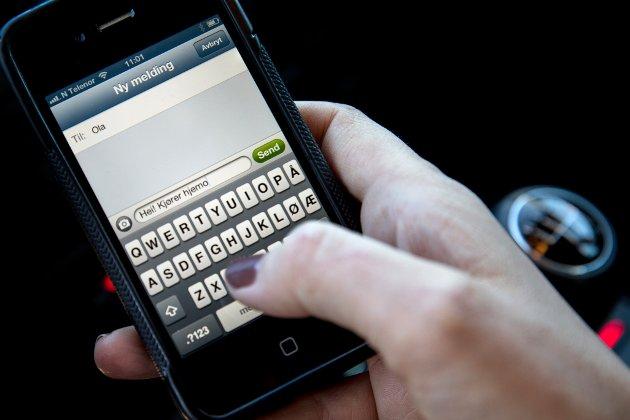 – Den tradisjonelle telefonen erstattes av bildetelefon, sms-er, messenger-meldinger og snapchat, Facebook og Twitter, påpeker ordfører Bjørn Iddberg.