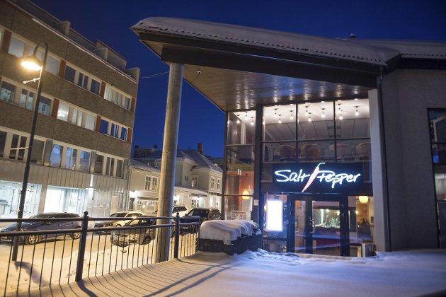 EN GOD KVELD: Straks vi var innenfor døren hos Salt og Pepper, fant vi oss godt til rette, ivaretatt av et meget vennlig og oppmerksomt personale, skriver OAs restaurant-anmeldere.