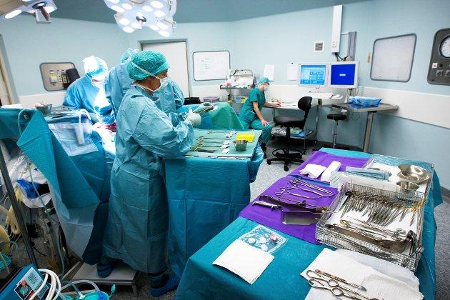 RAMME: – Bruk heller halve lånerammen på de tre sykehusene og send den lille andelen av pasienter med helt spesielle behov til Gardermoen eller Oslo, skriver artikkelforfatteren.