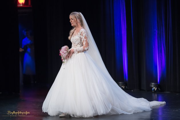 Bryllupsmesse brudekjole brudepar brudgom bryllup gjøvik gjøvik kultursenter messe