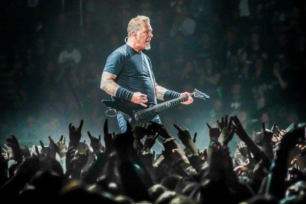 ROCK & ROLL: James Hetfield og resten av Metallica er på turne rundt om i Skandinavia. Her fra en konsert i Telenor Arena i Oslo for noen år siden.
