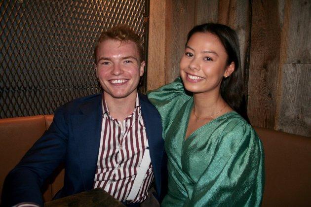 GODE VENNER: Tord Mikalsen og Kristine Norli Lindberg møtte venner på byen 3. Dag.