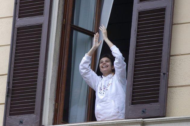 De siste ukene har gitt nye opplevelser av fellesskap, som i Italia, der folk har funnet sammen i sang og musikk fra sine respektive balkonger og vinduer,