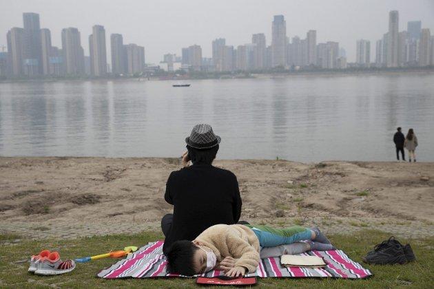 HER SKAL DET HA OPPSTÅTT: Dette er Wuhan i Kina, der koronaviruset skal ha hatt sitt opphav. FOTO: AP Photo / Ng Han Guan / NTB SCANPIX