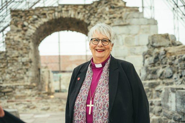 AVSTAND: – Den beste måten vi kan vise kjærlighet på nå, er å holde avstand, skriver biskop Solveig Fiske.