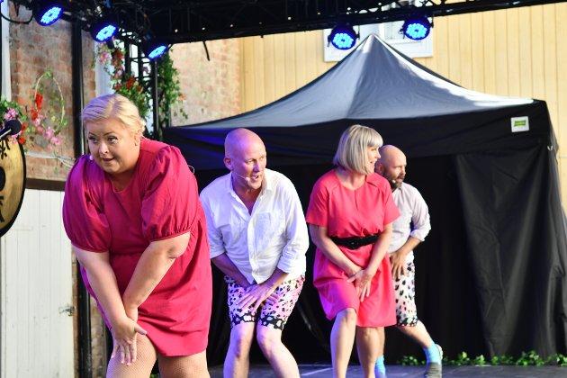 KLART FOR SHOW: Mari Cathrine Brostuen Hagen, Nils Jørgen Nygaard, Marianne Stensrud og Hans Esben Gihle girer opp og spiller opp til Totenslagere for 13.gang.