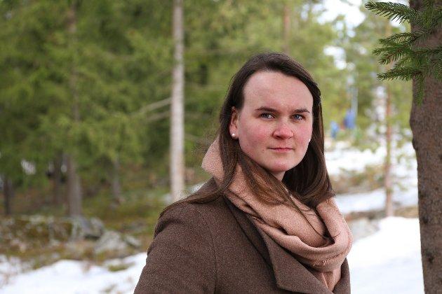 FORSVAR: – Når Kari-Anne Jønnes (H) angriper Senterpartiet om forsvarsfondet, faller det på steingrunn, skriver Marit K. Strand (Sp).