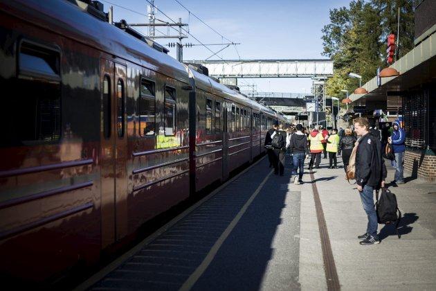 MANGELFULLT: Dekningen på Østfoldbanen er mildt sagt variabel. Her fra Ski stasjon.