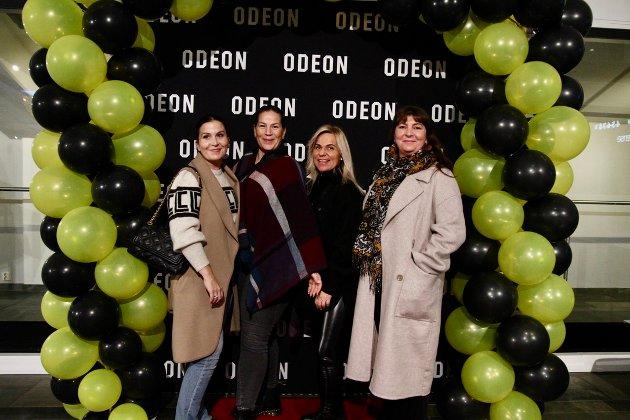 Venninnetreff. Stina Borgerød, Christine Presthaug, Inger-Lise Amundsen og Camilla Bergan så frem til en hyggelig kveld på kino