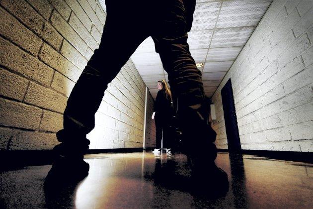 Problem: Mobbing er et problem, men slett ikke bare i skolen. Voksne framstår ofte som de verste mobberne. Arkivfoto