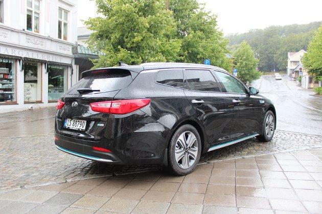 UTFORDRER VOLKSWAGEN: Hovedkonkurrenten til Optima PHEV stasjonsvogn er VW Passat GTE.