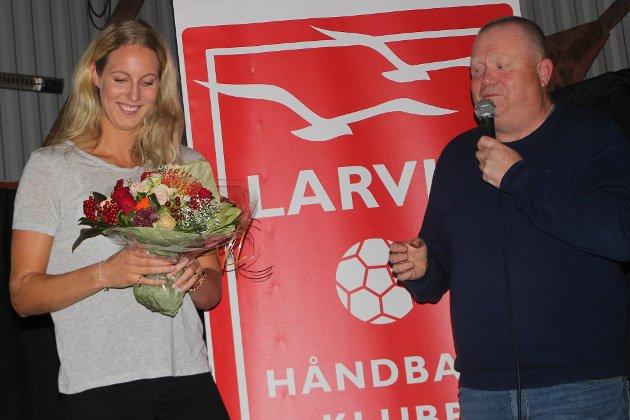 """Bursdag: Kristine Breistøl ble gjort stas på under lagets årlige """"kick off"""""""