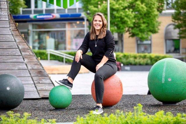 Stortingsrepresentant fra Larvik på Larvik torg, Lene Westgaard-Halle